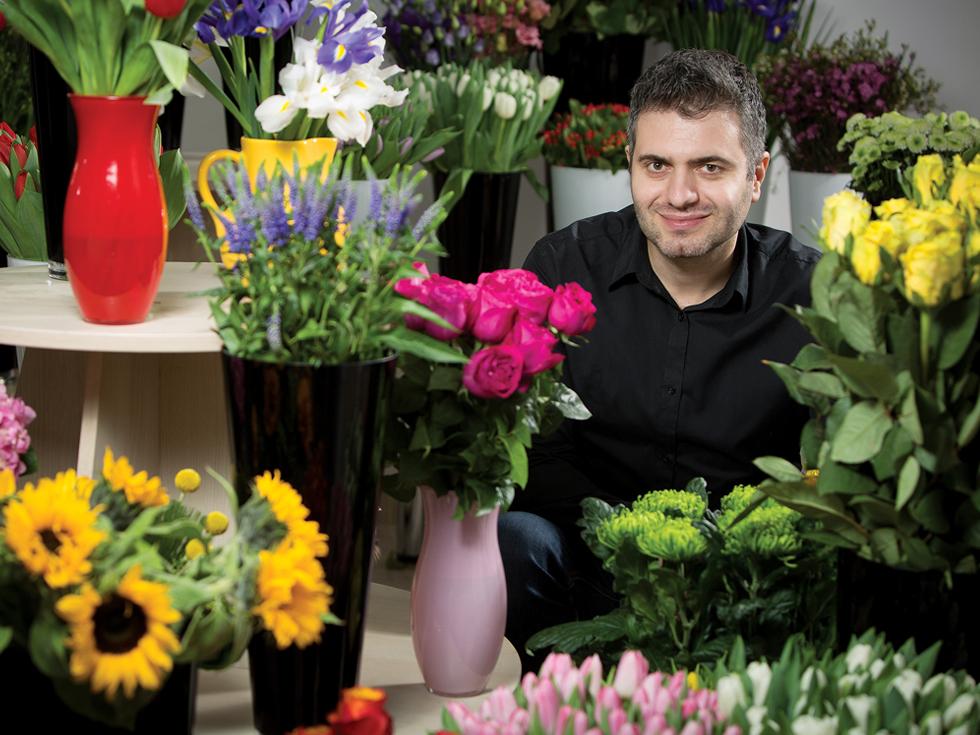 Florarii online: un român din patru cumpără buchete de pe internet