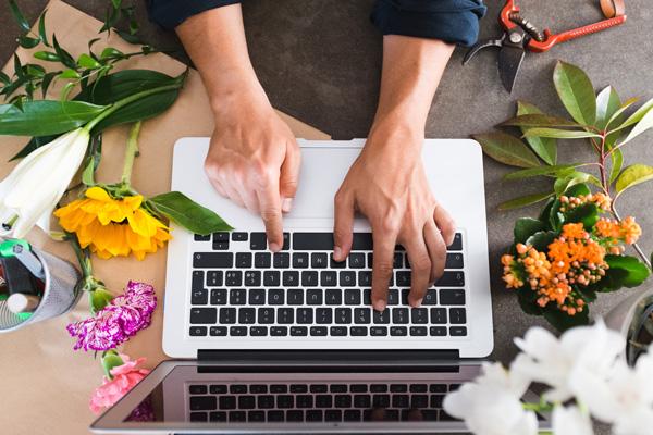 Pagina Facebook pentru florarii