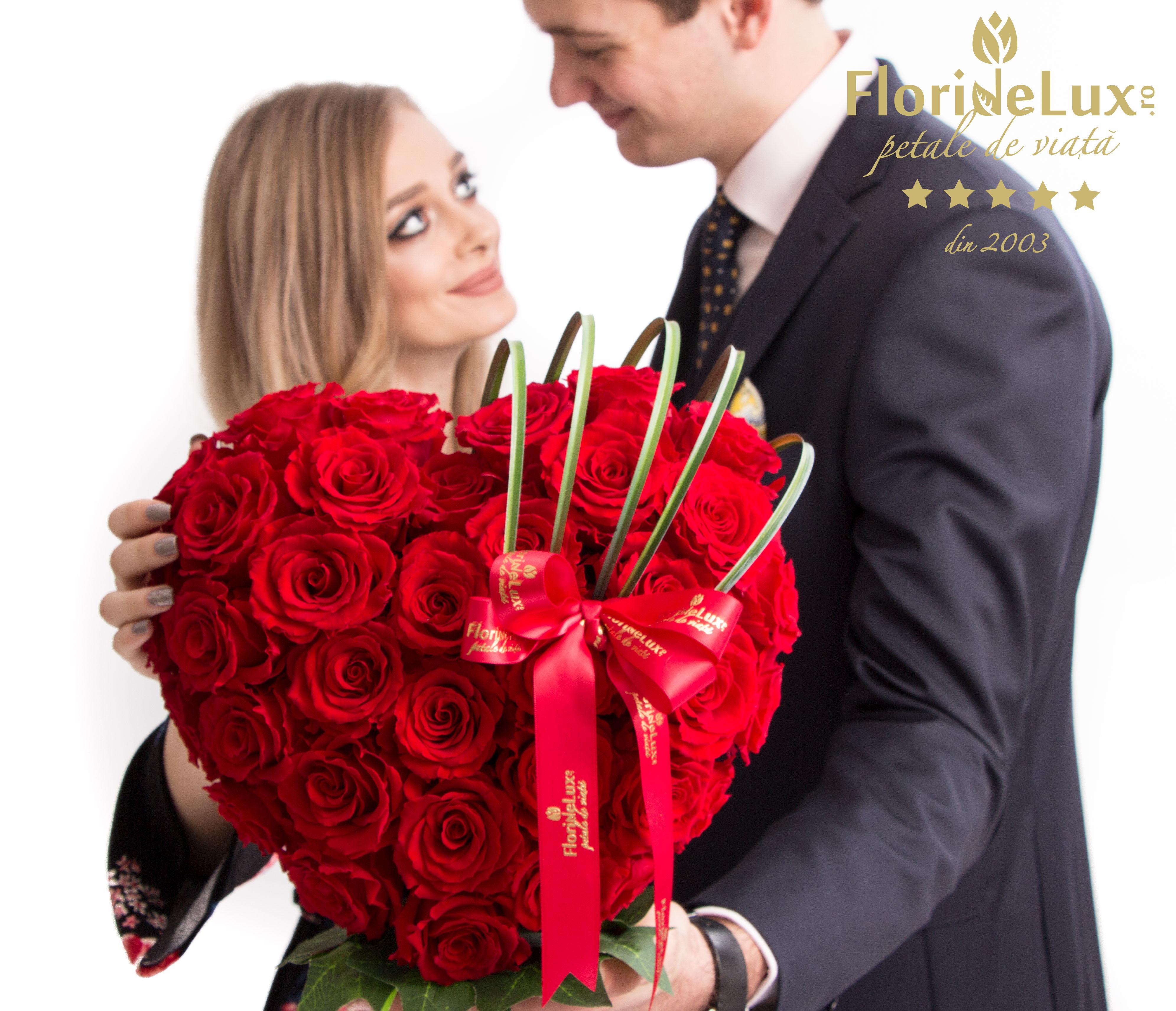 Trandafirii rosii, florile preferate ale romanilor
