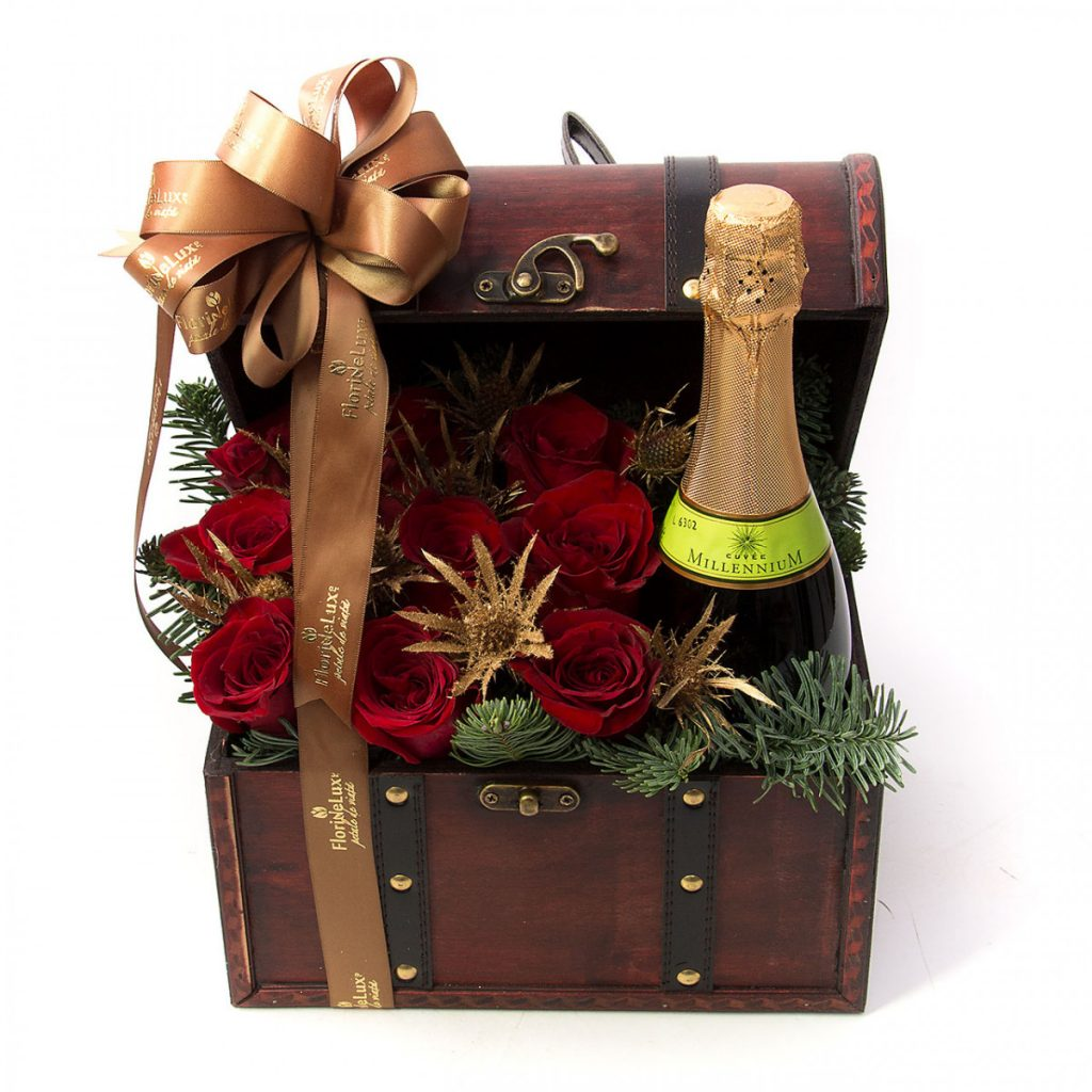 Cadouri pentru Sfantul Andrei - modele 2020, cufar festiv flori si sampanie, doar 348,99 RON!