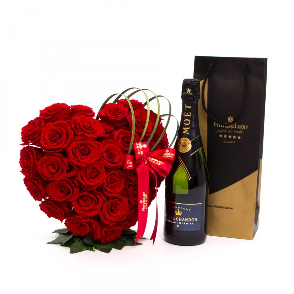 Inima trandafiri conservați Dragoste eternă și șampanie, doar 3.929,99 RON!