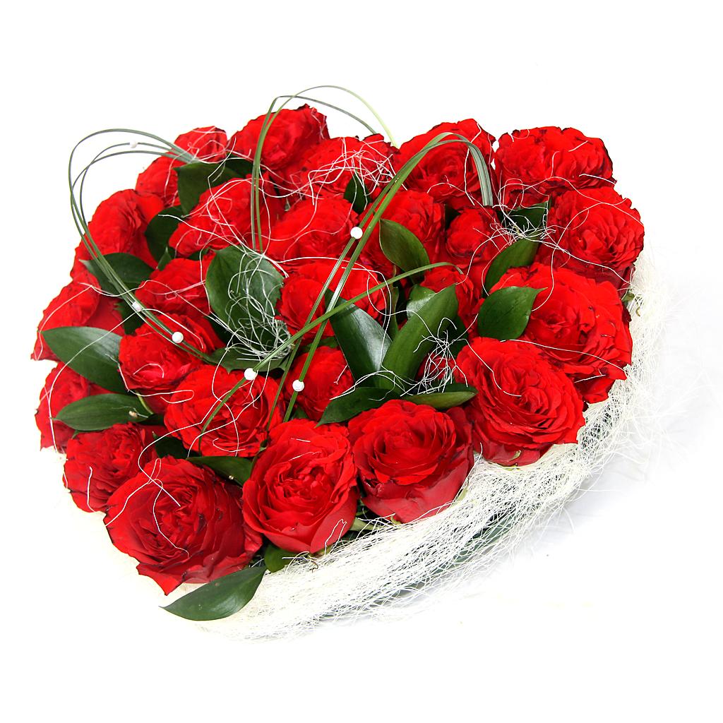 *Mesaje de ziua îndrăgostiților la distanță, Inimă de trandafiri roșii fresh, doar 359,99 RON!