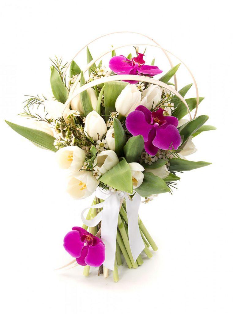 Buchet lalele albe și orhidee, doar 199,99 RON!