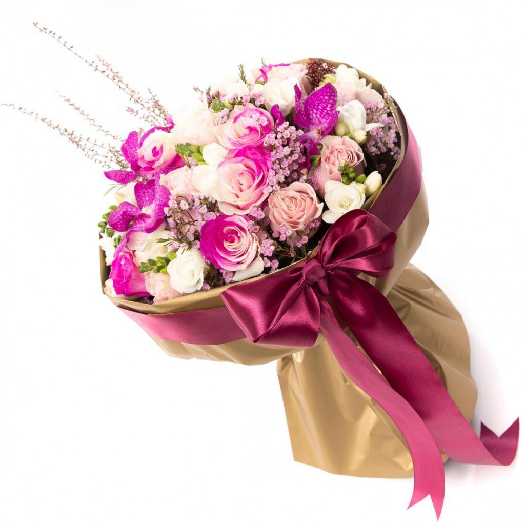 Flori pentru a spune Mi-e Dor de Tine! Buchet elegant și suav, un cadou încântător, doar 549,99 RON!