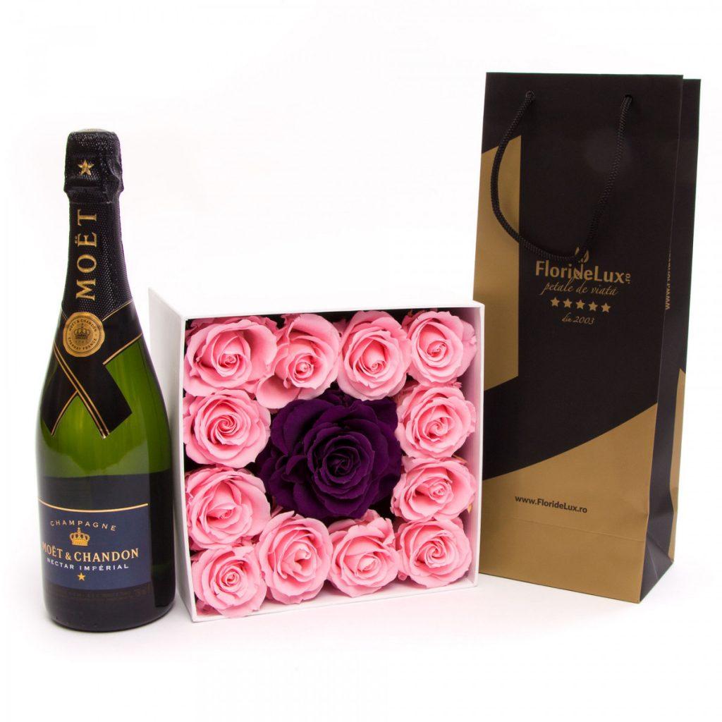Forever Roses și șampanie de lux, doar 1189,99 RON!