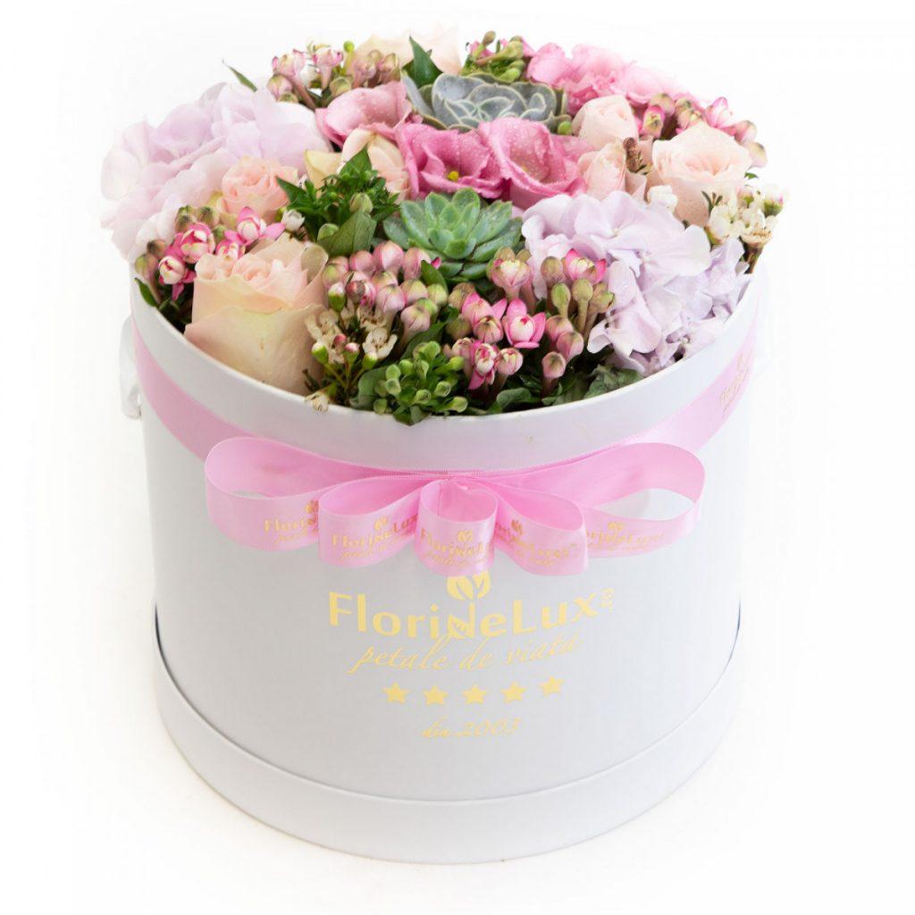 Cutii cu flori de la FlorideLux, Cutie flori de primavara, doar 399,99 RON!