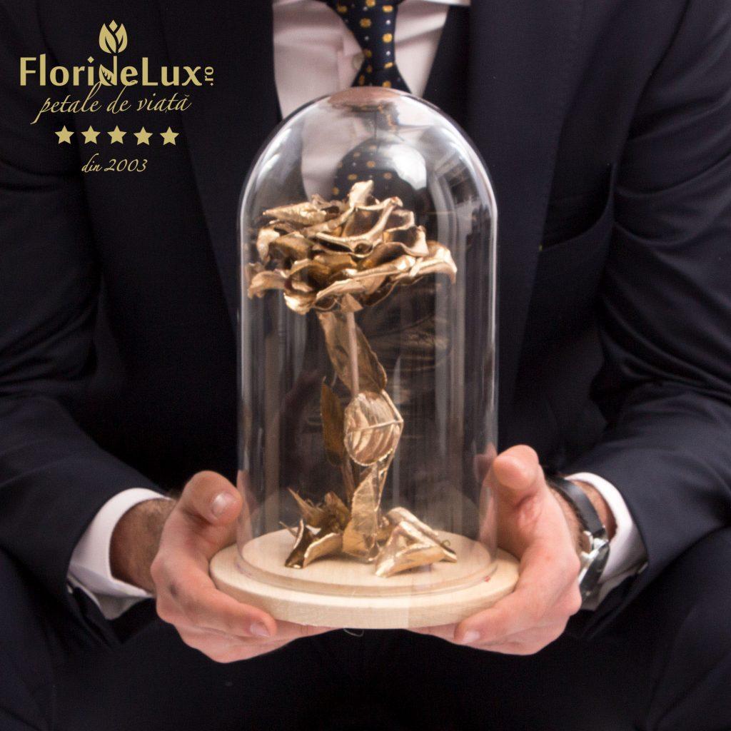 Cupolă trandafiri criogenați, Trandafir criogenat auriu Amour L'Or, doar 319 RON!