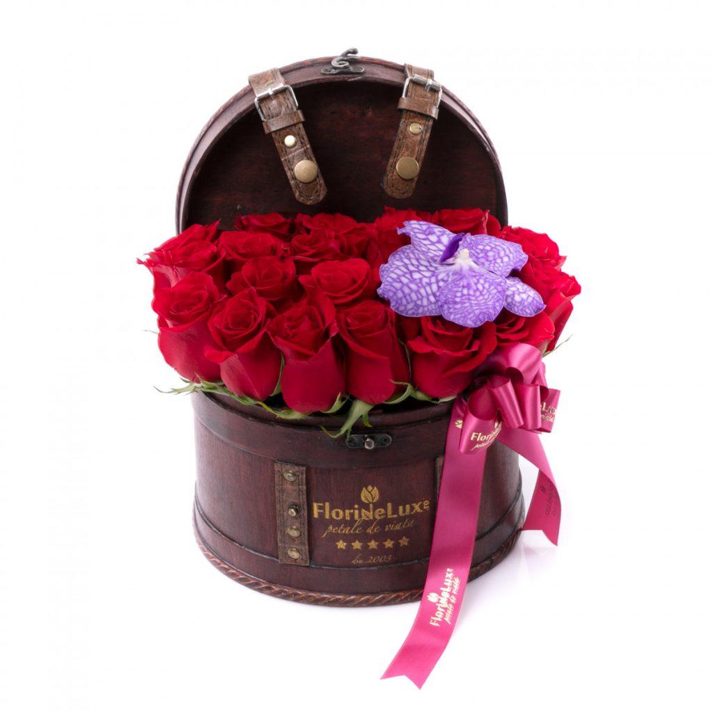 Esti in diaspora Afla cum poti comanda flori in Romania, Cufar cu dragoste, doar 349 RON